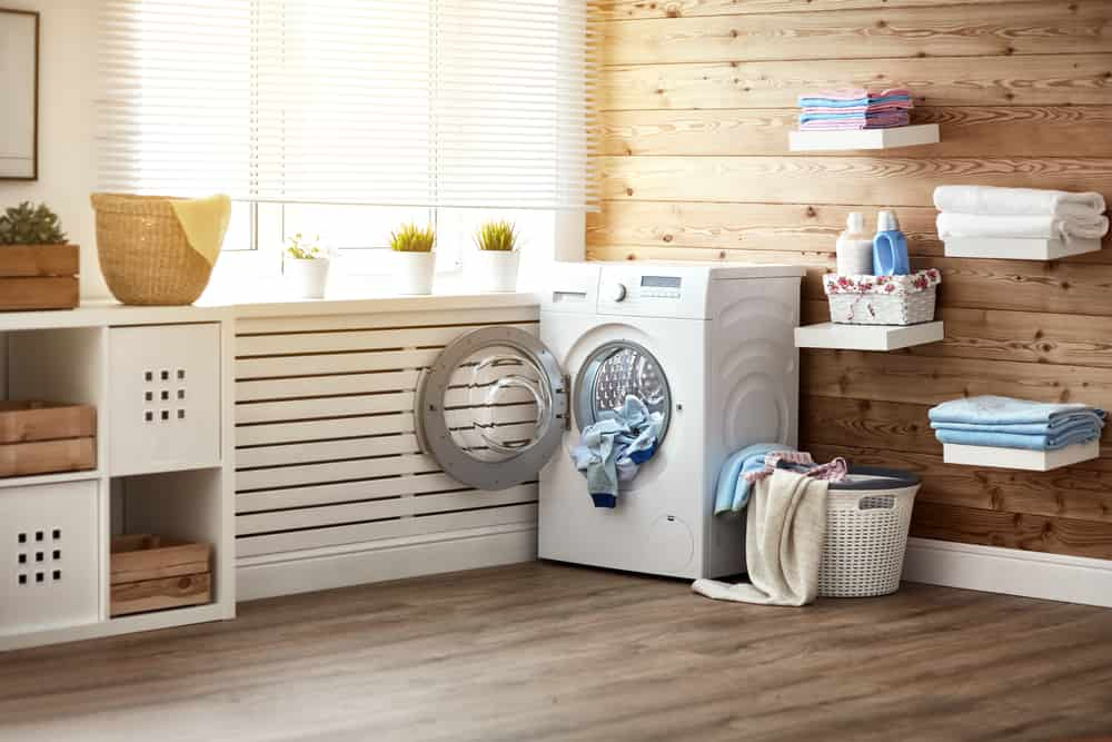 The laundry room needs to be organized and clean. Take a look of this 6 ideas to organize this area