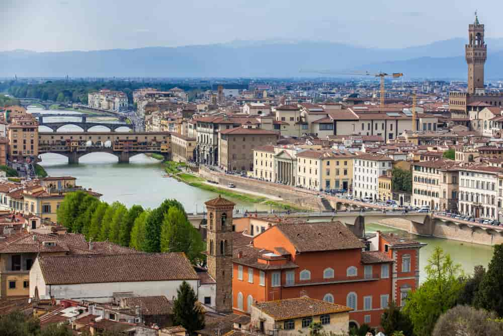 El Ponte Vecchio, uno de los lugares que una mujer sibarita debe conocer.