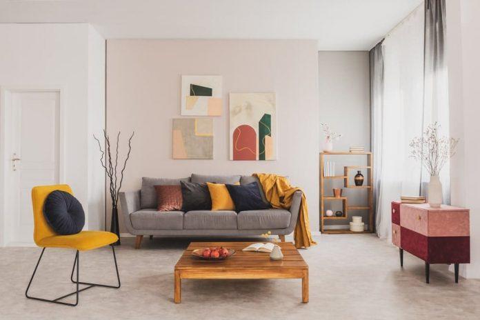Los tonos neutros son los ideales para utilizar en la decoración de espacios pequeños.