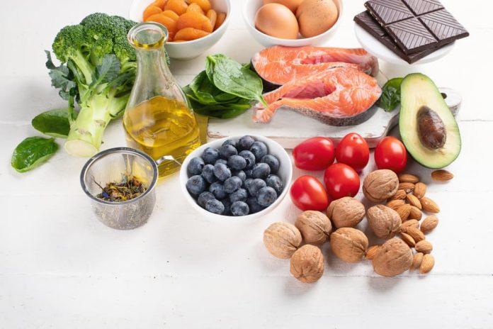 Los suplementos vitamínicos no sustituyen una dieta balanceada y rica en nutrientes.
