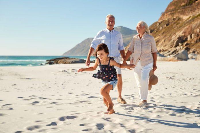 Llevar una vida sana es posible si sigues ciertos hábitos que ayuden no solo a vivir saludablemente sino a sumarle años a tu vida.