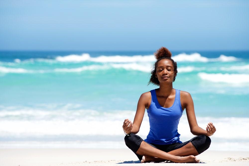 Los ejercicios de respiración matinal ayudan a relajar los músculos y ayuda a liberar estrés.