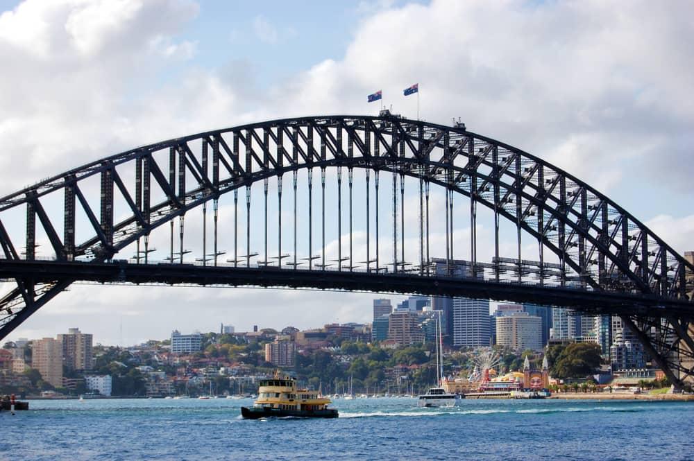 El puente de la bahía en Circular Quay es una de las atracciones que no debes dejar de ver. Considerado una obra de ingeniería en avanzada es una de las atracciones de Sidney.