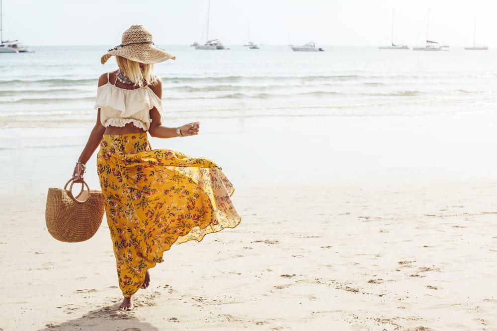 El estilo boho se impone cada verano. Ropa suelta y accesorios llamativos son la esencia de esta tendencia.